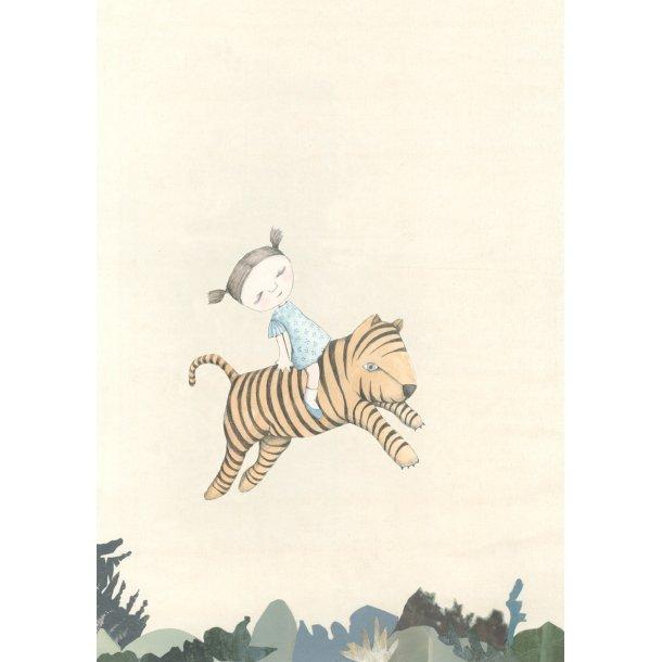 Crouching Tiger, stående
